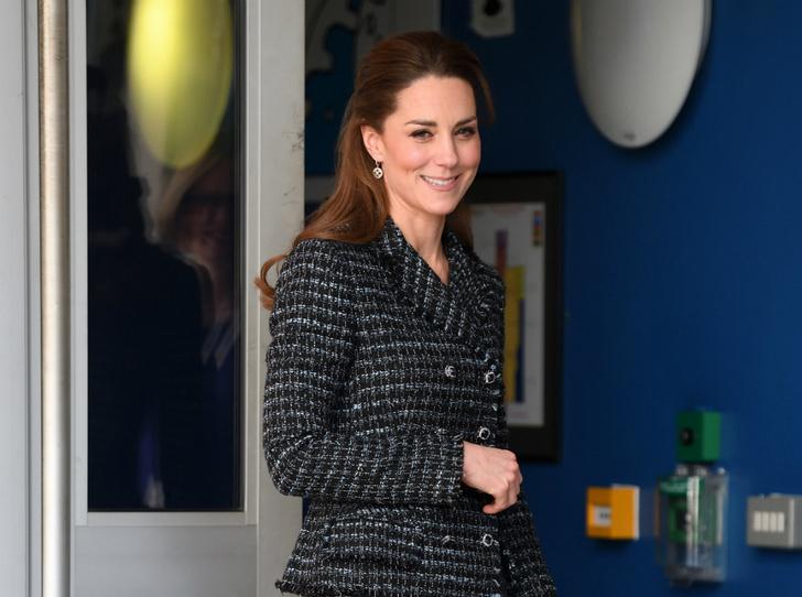 Фото №1 - Почему герцогиня Кейт не носит свое помолвочное кольцо