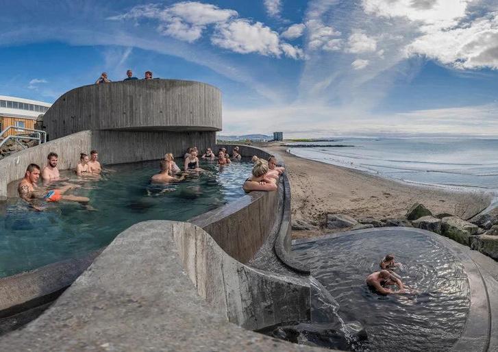 Фото №1 - Купальня Guðlaug baths в Исландии