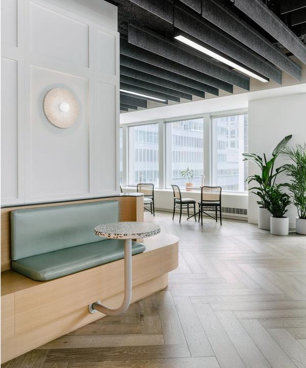 Офис в светлых тонах в Нью-Йорке