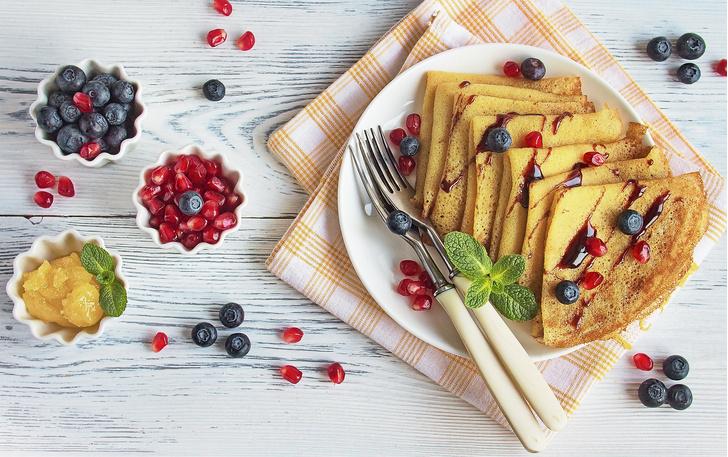 Фото №1 - Сколько можно съесть блинов без вреда для здоровья и фигуры