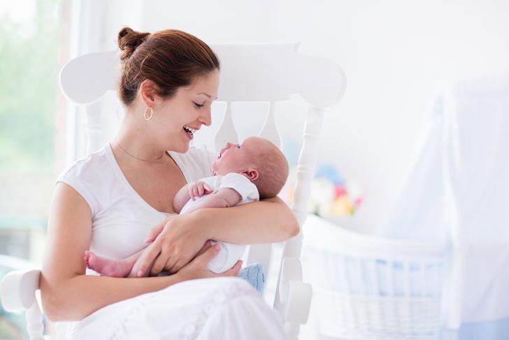 Фото №1 - Ученые объяснили, почему матери держат младенцев слева