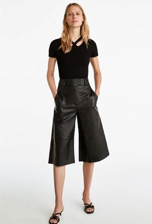 Фото №18 - Босс не будет против: как носить кожаные вещи в офис