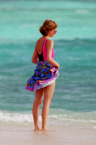 Фото №9 - Принцесса пляжа: бикини-стиль Дианы