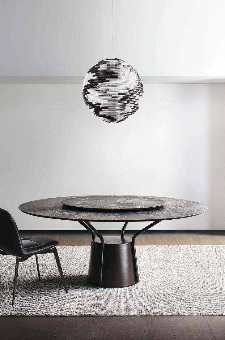 Фото №10 - ТОП-10: столы на скульптурном основании