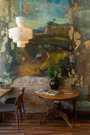 Фото №5 - Ресторан «Цех» с фресками советской эпохи во Владивостоке