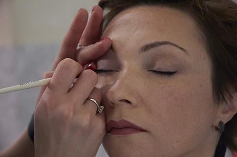 Фото №11 - Как сделать дневной макияж: мастер-класс Bobbi Brown