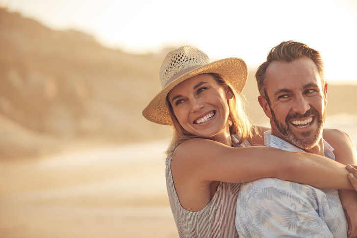 Почему женщины после 40 лет вызывают интерес у мужчин, почему женщины после 40 лет особенно нравятся мужчинам, плюсы зрелых женщин, мнение психолога