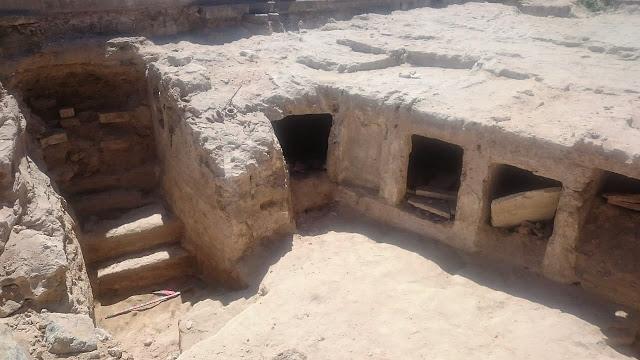 Фото №1 - Археологи нашли в Египте гробницы бедняков
