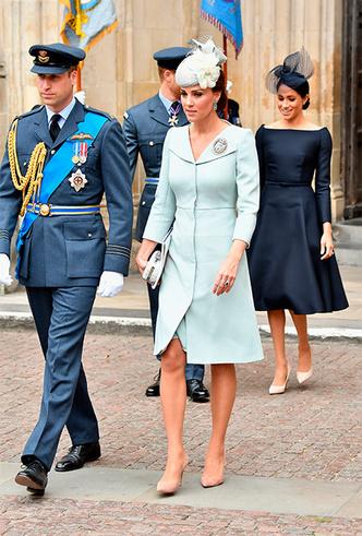 Фото №8 - Кейт в горошек и Меган в полоску: на что намекают две герцогини