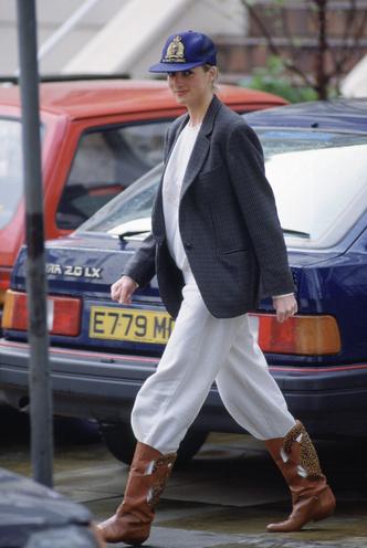 Фото №5 - Королевский кэжуал: как Диана носила объемные пиджаки