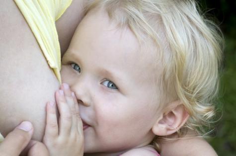 Фото №2 - Грудное вскармливание: советы маме, как правильно кормить ребенка грудью