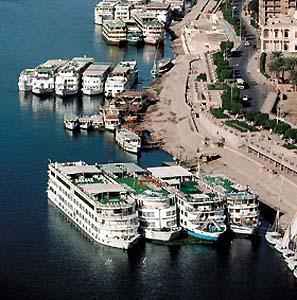 Фото №1 - В Сочи к Олимпиаде появятся плавучие гостиницы