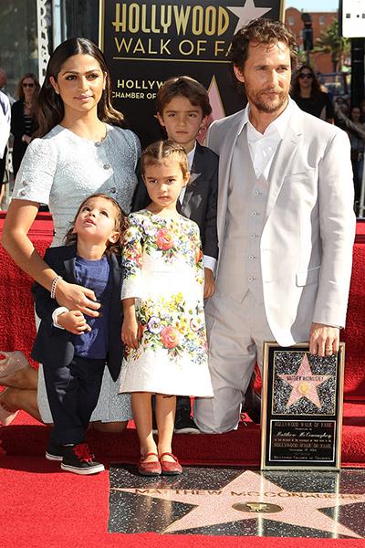 Фото №1 - 10 голливудских звезд, из которых получились идеальные отцы