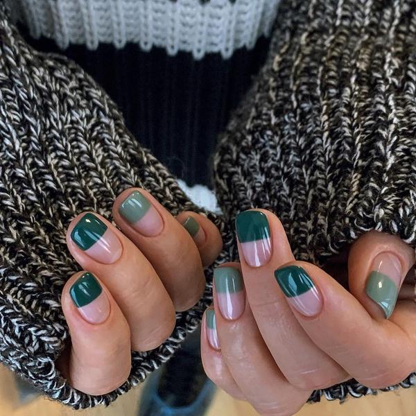 Фото №2 - Модный маникюр на короткие ногти 2021