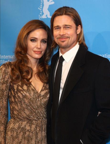 Фото №1 - Брэд Питт приехал в гости к Анджелине Джоли впервые за 4 года