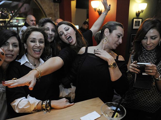 Фото №9 - Культ красоты: почему все девочки-подростки в Ливане делают ринопластику