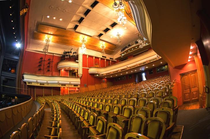 Фото №1 - Опера в саду: как был создан и развивался один из главных музыкальных театров России