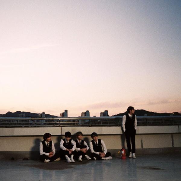 Фото №2 - TXT рассказали, какое впечатление на них произвели BTS во время первой встречи