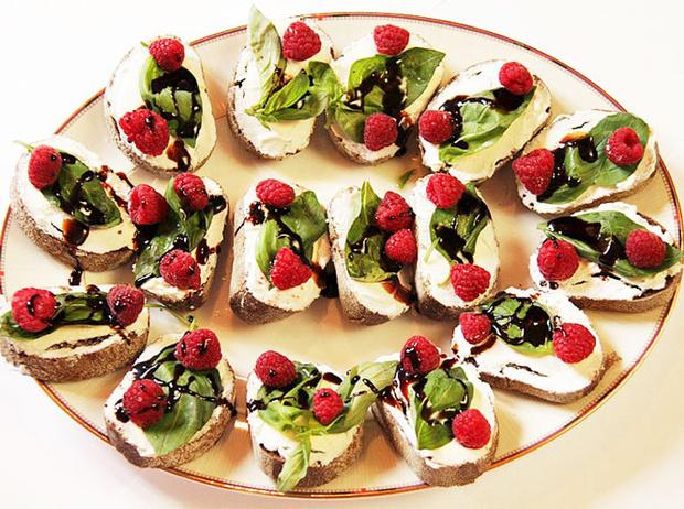 Фото №2 - 5 диетических блюд с рикоттой и моцареллой для тонкой талии