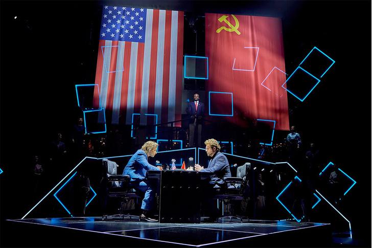 Фото №1 - Впервые в России! Театральная сенсация — мюзикл «Шахматы»
