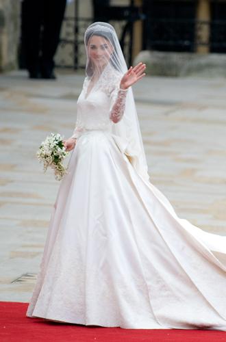 Фото №3 - Что известно о свадебном платье принцессы Евгении