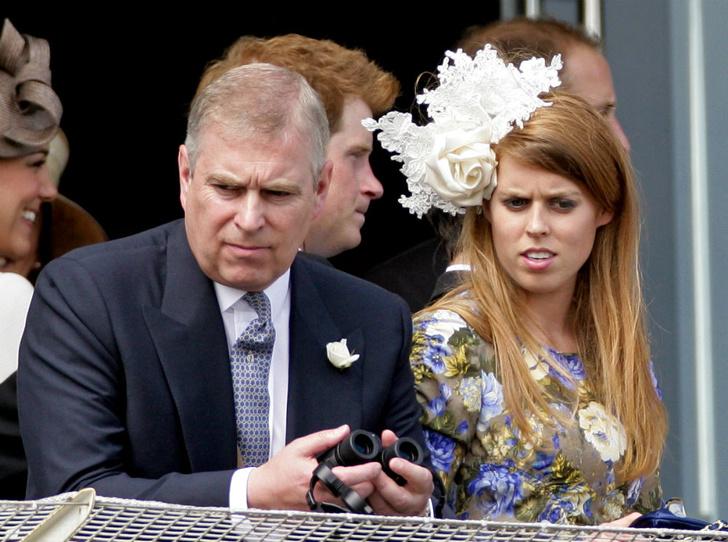 Фото №2 - Кого из королевской семьи расстроила свадьба принцессы Беатрис