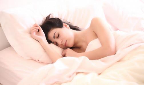 Фото №1 - Сладости вместо снотворного: Сомнолог назвал необычный способ для быстрого засыпания