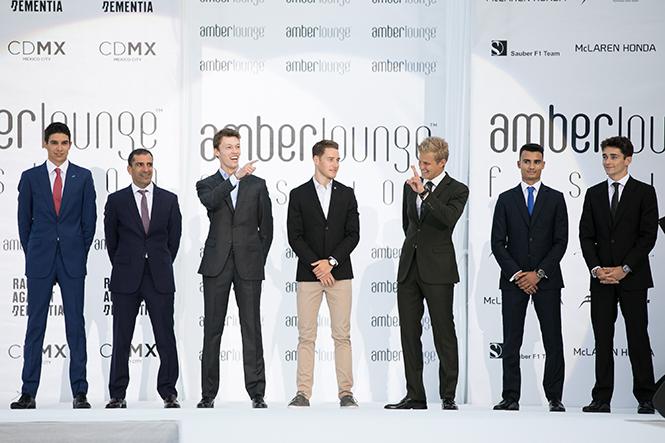 Фото №4 - Даниил Квят и другие пилоты «Формулы-1» в модном показе в Монако