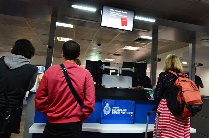 Фото №1 - Аэропорты Австралии перестанут проверять паспорта у прибывающих