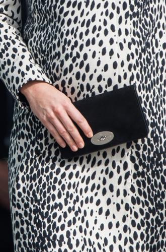 Фото №23 - Королевский дресс-код: любимые сумки герцогини Кембриджской