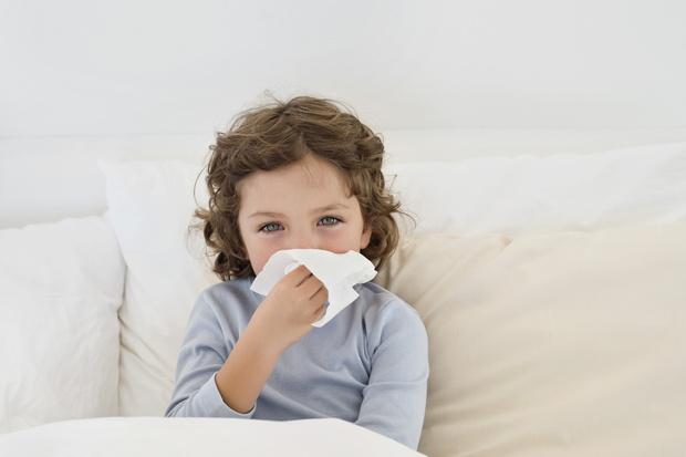 Почему у ребенка заложен нос