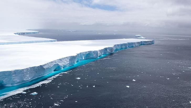 Фото №1 - Самый крупный в мире айсберг растаял