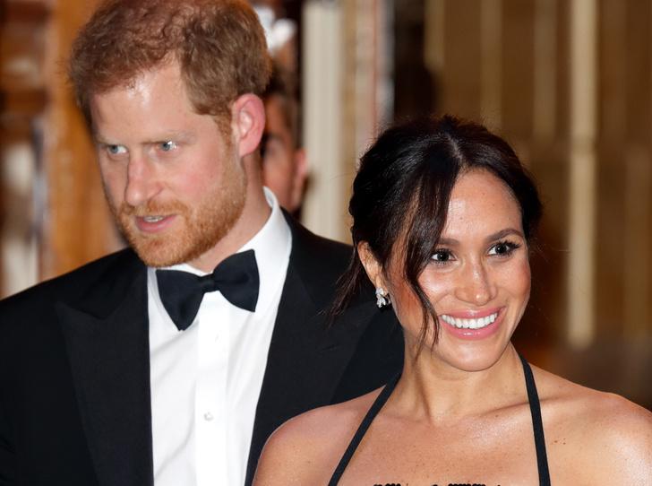 Фото №1 - Принц Гарри и герцогиня Меган провели субботний вечер в театре (и удивили всех)