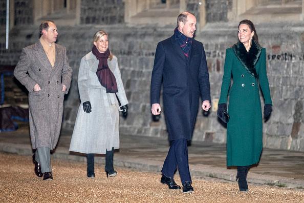 Фото №8 - Все в сборе: Елизавета II, герцоги Кембриджские и другие члены королевской семьи встретились в Виндзорском замке