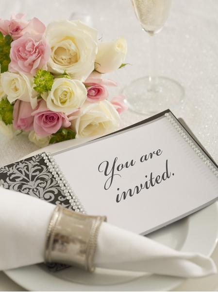 отказаться от приглашения на свадьбу