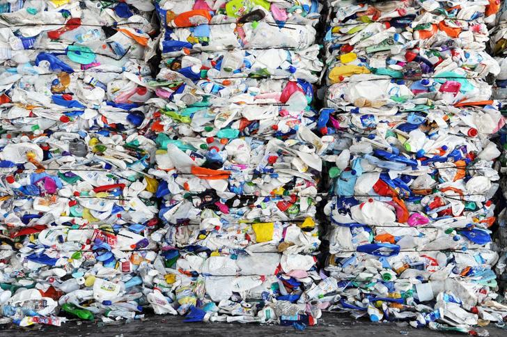 Фото №1 - В Великобритании изобрели биоразлагаемый пластик