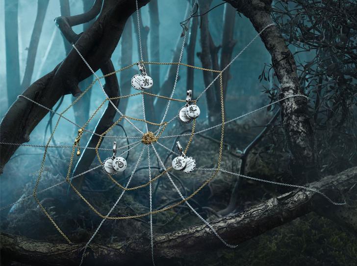 Фото №2 - 12 украшений к новогодним праздникам для любителей волшебства и магии