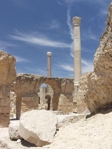 Фото №2 - С оглядкой на руины