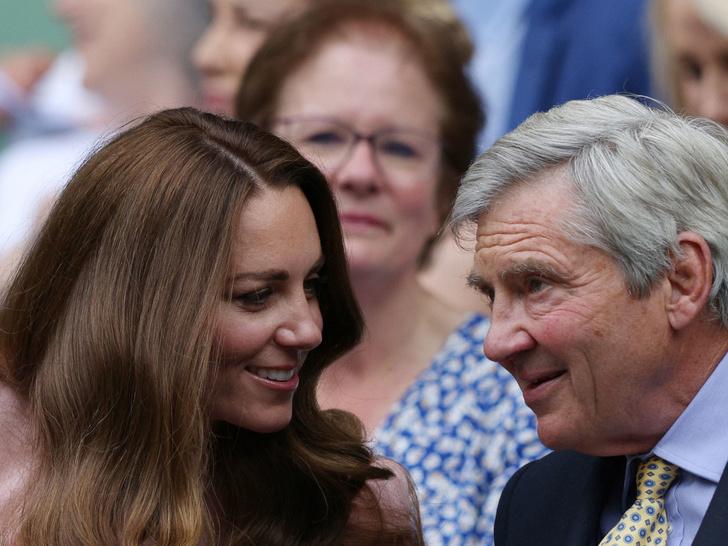 Фото №4 - Любящий отец и лучший друг: герцогиня Кейт и ее трогательные отношения с Майклом Миддлтоном