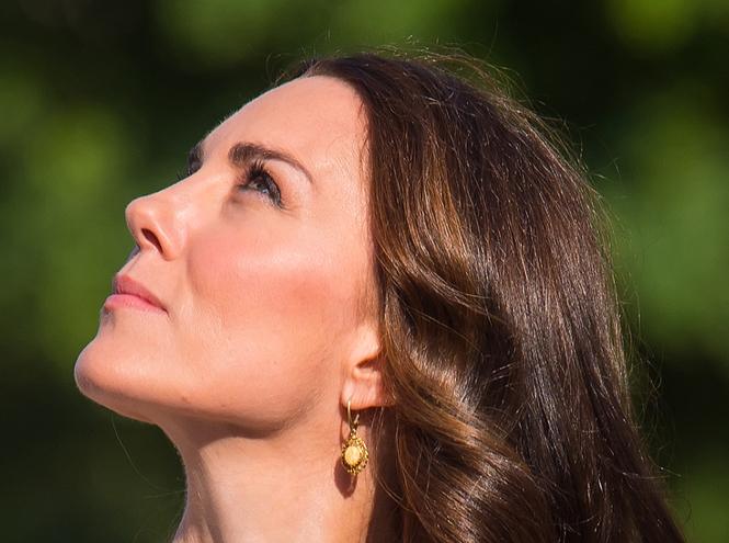 Фото №2 - «Я не красивая— это все макияж!»: учимся краситься, как Кейт Миддлтон