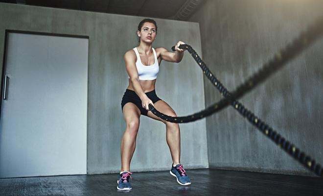 Упражнения с канатом для похудения: что это такое и кому надо
