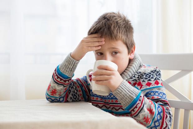 Фото №1 - Горчичники и банки: так ли безвредны бабушкины методы борьбы с простудой
