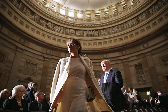 Фото №1 - Стиль Мелании Трамп: фэшн-привычки новой первой леди США
