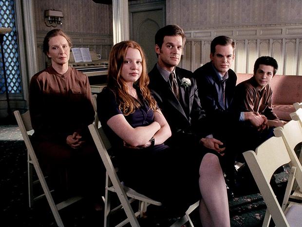 ФотоКадр из сериала «Клиент всегда мертв», 2001–2005 г.