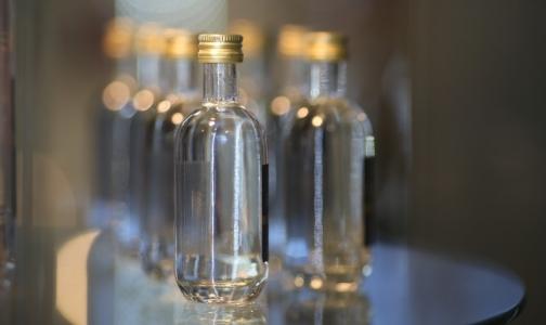 Фото №1 - Эксперт: Избежать реанимации после отравления метанолом поможет настоящая водка