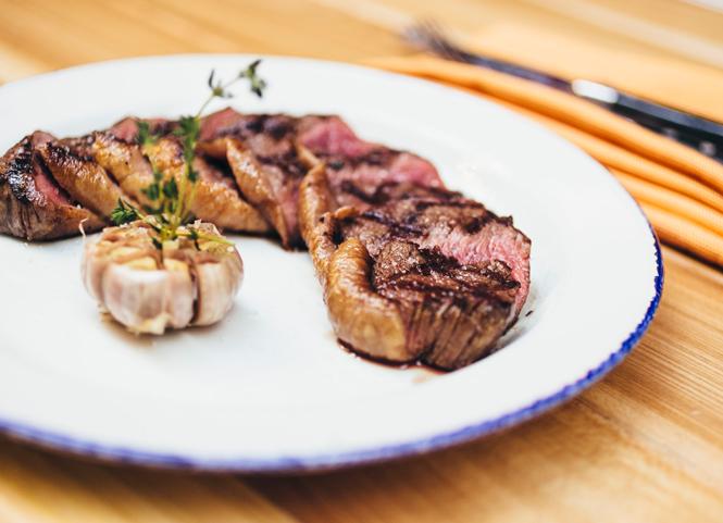 Фото №6 - Где лучше всех жарят мясо: топ-6 мясных ресторанов