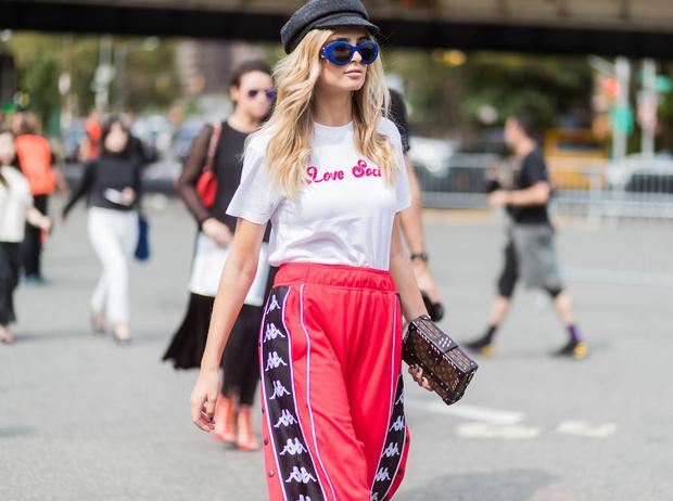 Фото №2 - Как носить спортивные брюки-джоггеры: 6 неожиданных сочетаний
