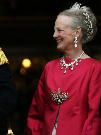 Фото №19 - Гордость женихов и невест: самые стильные мамы на королевских свадьбах