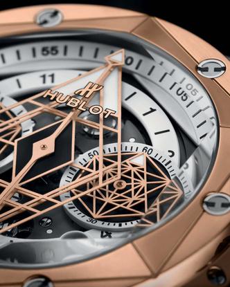Фото №2 - Идеальная геометрия: чем примечательны новые часы Hublot Big Bang Sang Bleu II