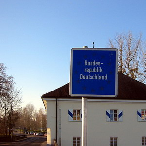 Фото №1 - Германия временно вернет пограничный паспортный контроль
